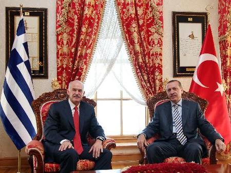 Σύγκριση Μισθών Ελλήνων-Τούρκωναξιωματούχων