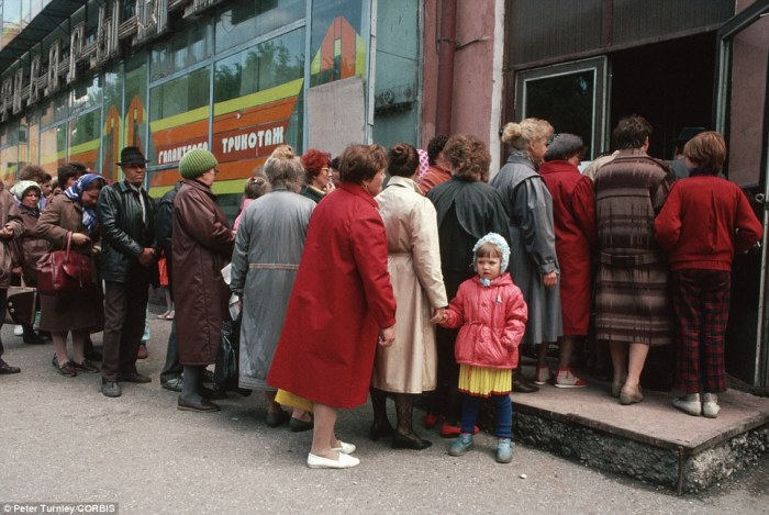 Φιλελευθερισμος-Σοσιαλσιμος/κομμουνισμος: Οι θέσεις για την αγορά και τοκράτος